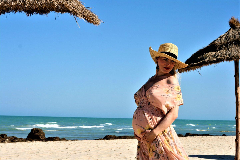 Strandlook mit Babybauch. Das MAXIKLEID.